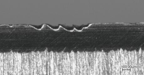 光学顕微鏡による刃の拡大写真